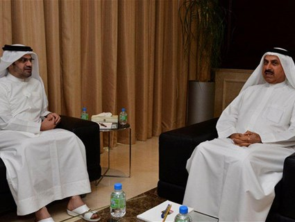 UAE Labour Minister Meets Qatari Ambassador