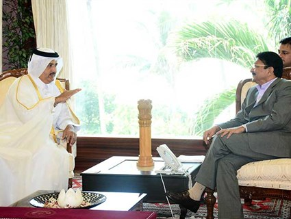 Governor of Indian State of Maharashtra Meets Consul General of Qatar