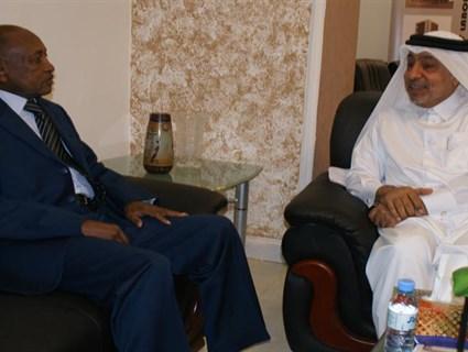 وزير العمل السوداني يستقبل سفير قطر