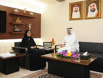 وزيرة الشؤون الاجتماعية الإماراتية تستقبل سفير قطر