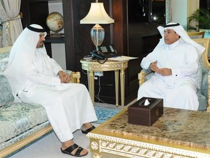 سعادة وزير الخارجية يتلقى رسالة من نظيره الإماراتي
