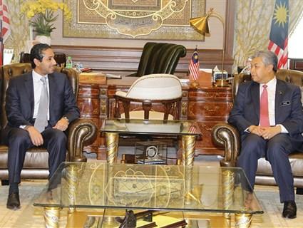 Malaysian Deputy Prime Minister Meets Qatari Ambassador