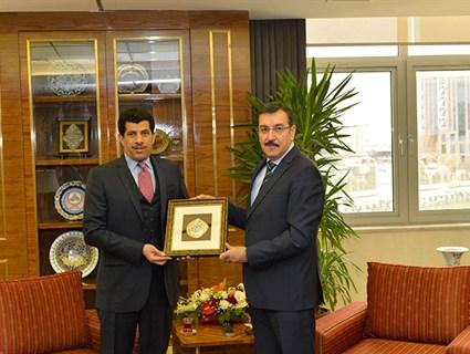 وزير الجمارك والتجارة التركي يستقبل سفير قطر
